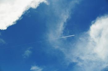 喜瀬別邸 プール 飛行機雲60.jpg